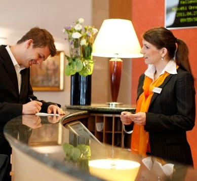 recepcionista-vocabulario-hotel-espanol