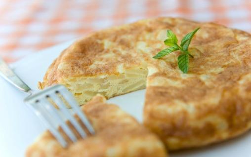 hiszpanski omlet tortilla jedzenie gotowanie kurs hiszpania