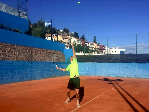 Spanisch und Tennis malaga