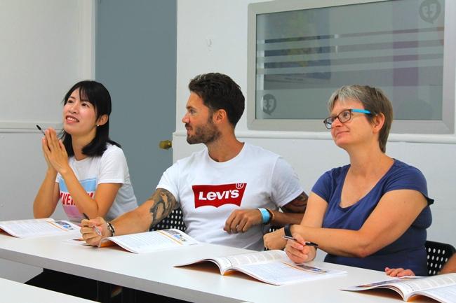 intensywny kurs jezyka hiszpanskiego szkola AIL Malaga Hiszpania