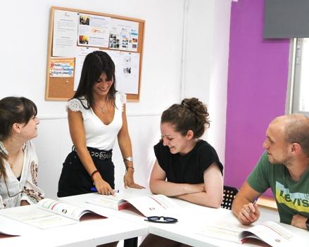 curso de espanol por la tarde ail malaga escuela idiomas